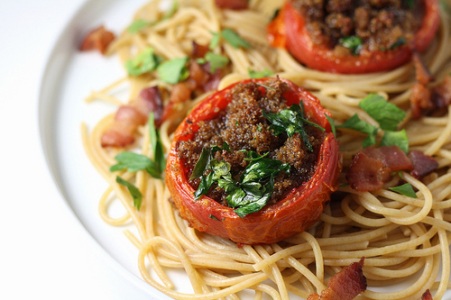 Stuffed tomatoes with spaghetti